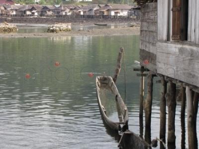 Wioska Wakai podczas przypływu