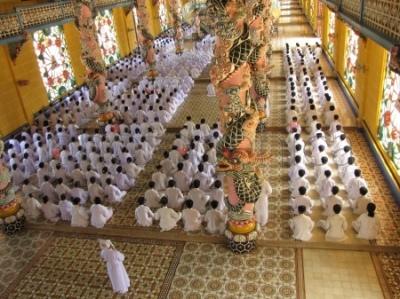 Msza w głównej świątyni sekty Cao Dai