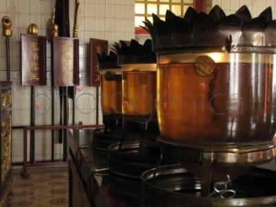 Lampy oliwne w chińskiej świątyni