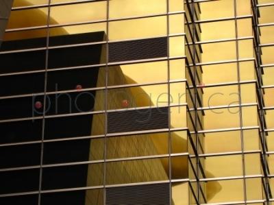 Elewacja budynku w Asahi Breweries Complex w Tokio